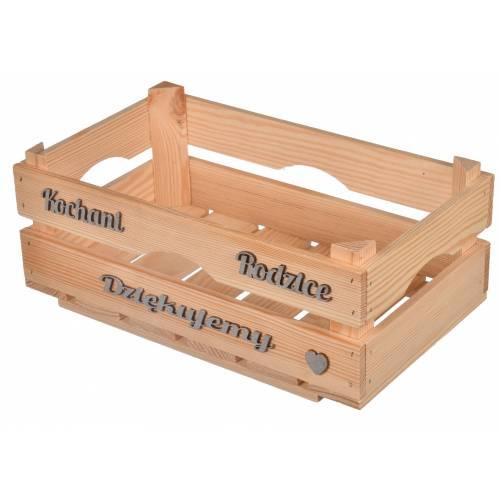 drewniana skrzynka z napisem