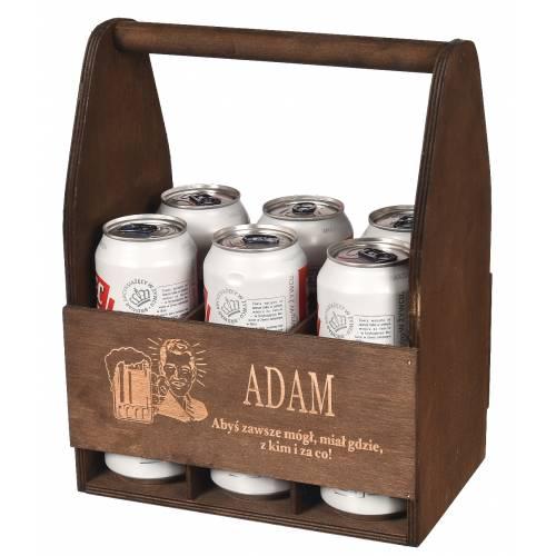 Drewniane brązowe nosidło na piwo z grawerem na prezent