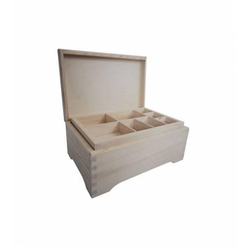 Drewniana szkatułka z...