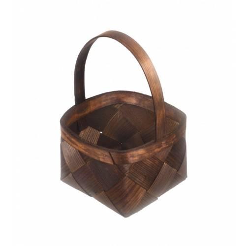 Drewniany koszyczek z rączką z łuby bejcowany na brązowo